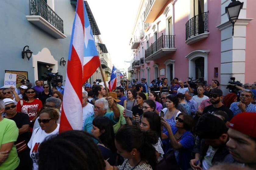 La población de Puerto Rico se estimó al uno de julio de este año a 3.337.177 personas y cayó un diez por ciento desde 2010, según datos de la Oficina de Estadísticas de Estados Unidos difundidas por el Instituto de Estadísticas de Puerto Rico. EFE/ARCHIVO