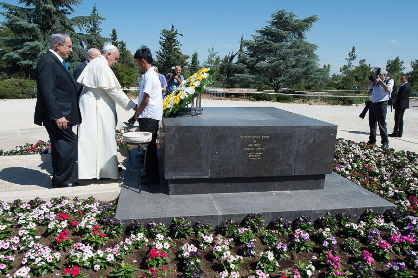 Pope Francis at the tomb of Theodor Herzl