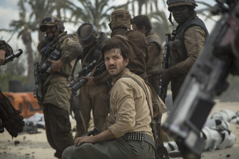 """En """"Rogue One: A Star Wars Story"""", el personaje del espía rebelde Cassian Andor es interpretado por Diego Luna."""