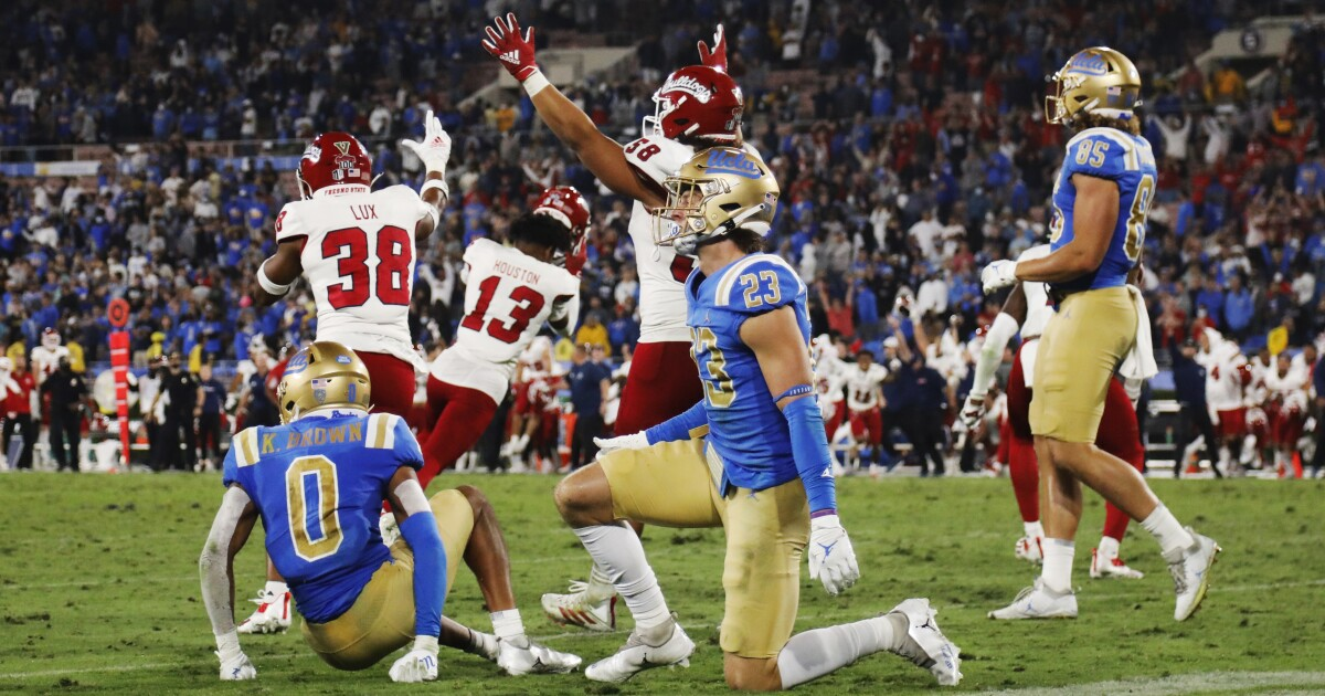 Photos: Fresno State upsets no. 13 UCLA at the Rose Bowl
