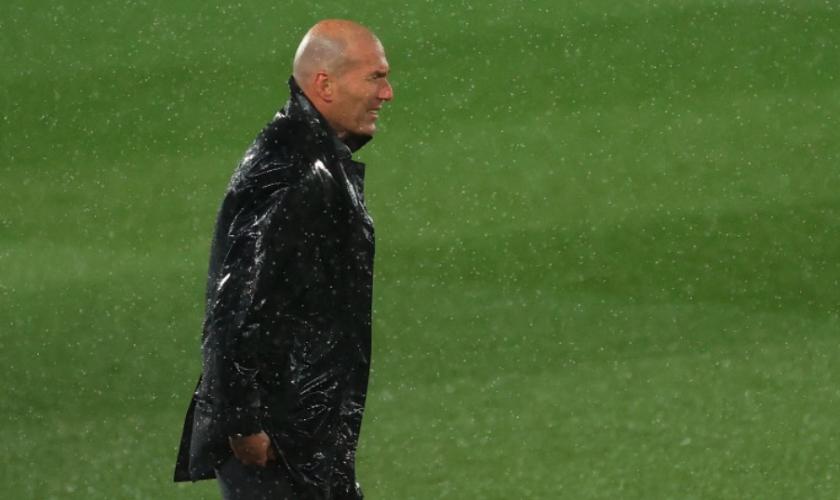 El técnico francés del Real Madrid, Zinedine Zidane, durante el partido que ganaron al Barcelona.