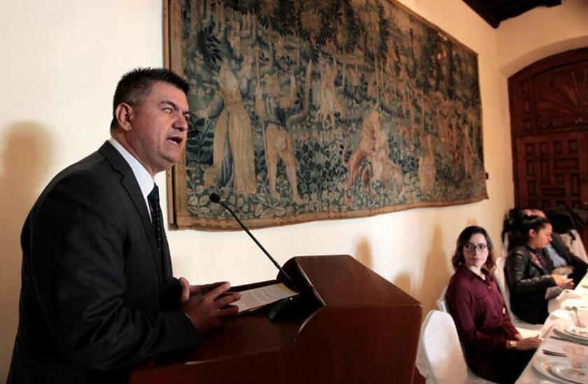 El especialista Manuel Gallardo habla hoy, jueves 8 de marzo de 2018, durante una rueda de prensa en Ciudad de México (México). EFE