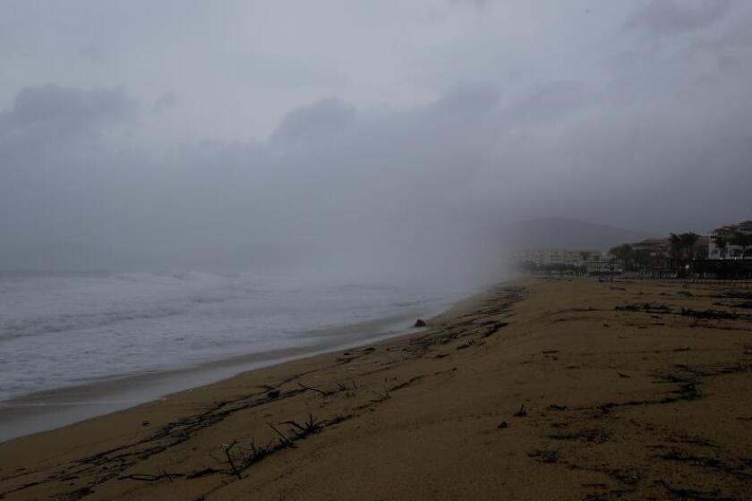 Kiko se aleja de las costas de México como un huracán categoría 2