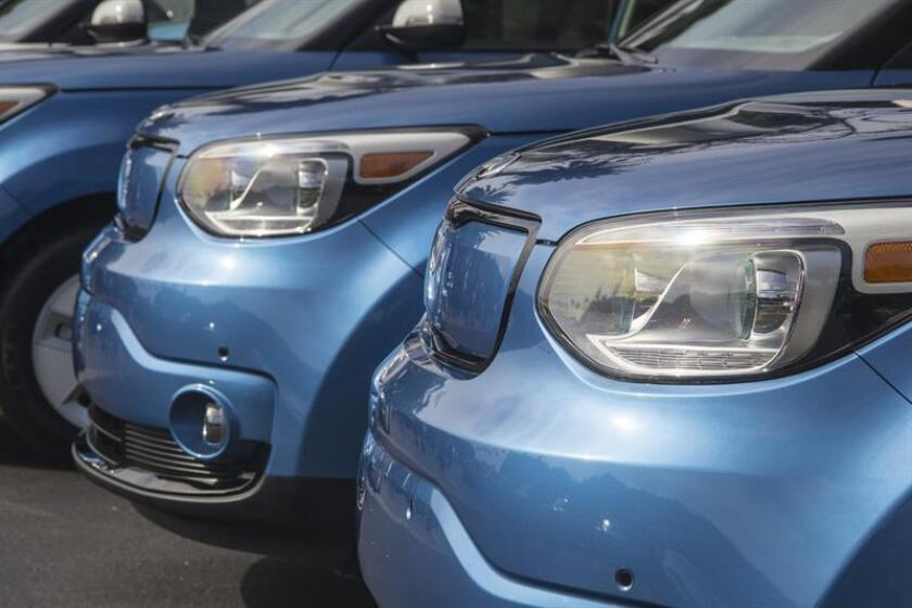 Vista de la parte frontal de un vehículo. EFE/Archivo