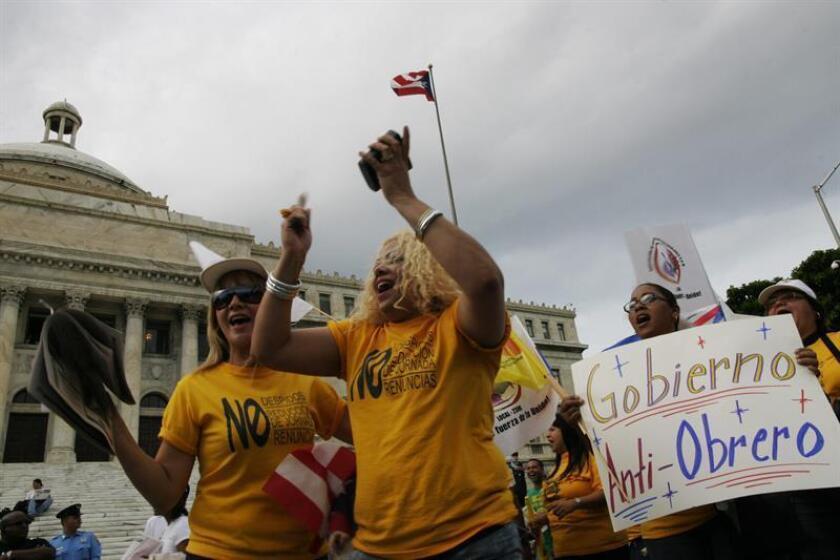 En una carta dirigida al actual gobernador de Puerto Rico y al electo, la Junta de Supervisión Fiscal informó que las nuevas proyecciones apuntan a que bajo la ley actual el Gobierno de Puerto Rico enfrentará un déficit de 67.500 millones de dólares en los próximos 10 años, 10.000 más que el proyectado inicialmente. EFE/ARCHIVO