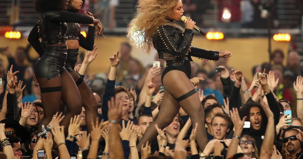 Beyoncé draws outrage and praise for Super Bowl set