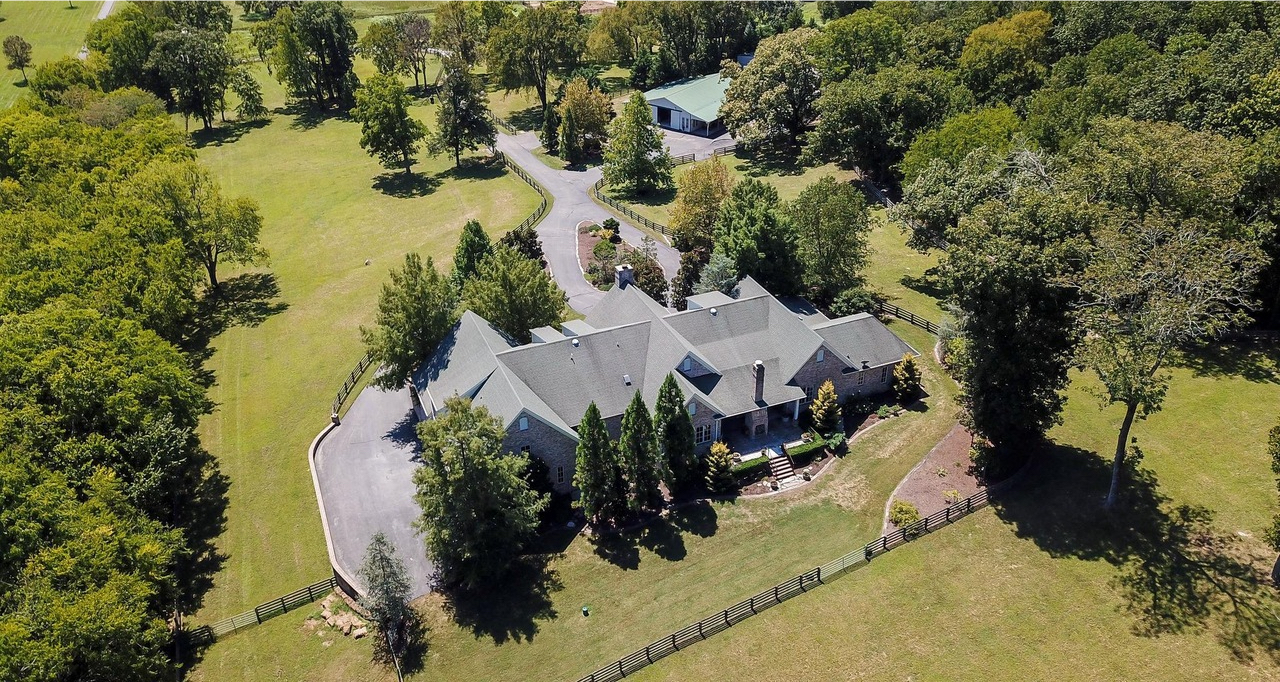 Megadeth's Dave Mustaine eyes sale of equestrian estate in Tennessee photo